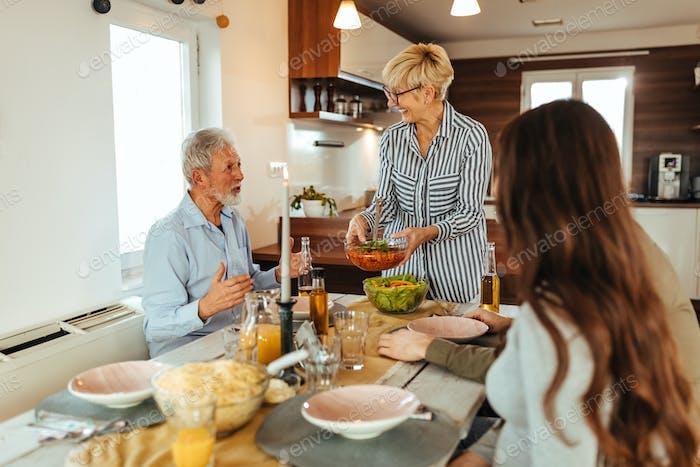 A boa comida reúne as famílias
