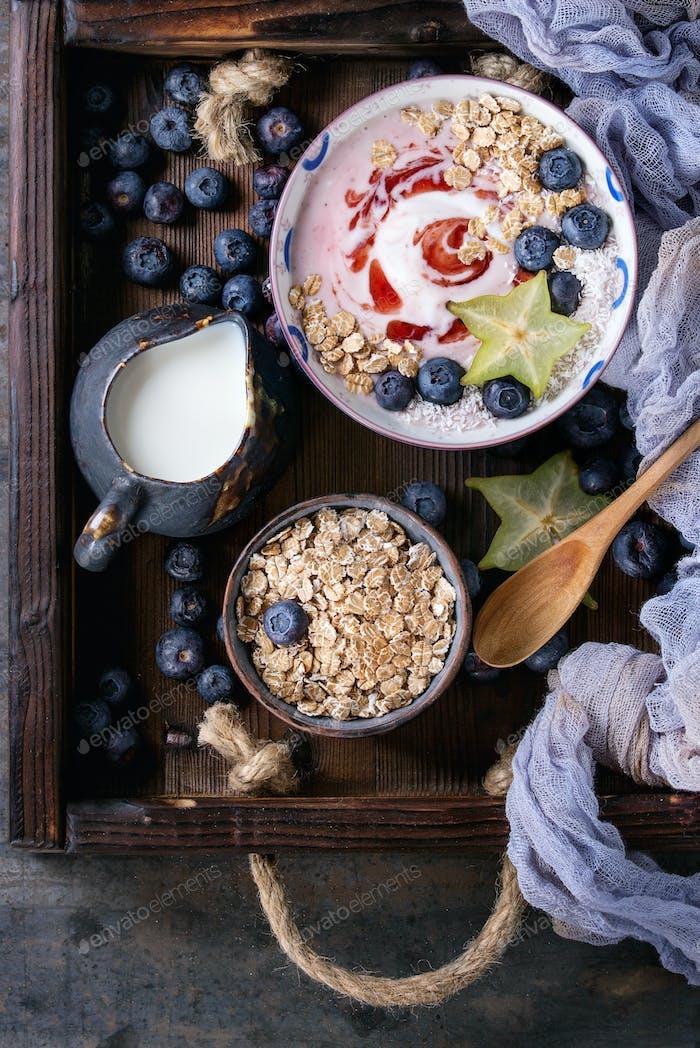 Yogurt smoothie bowl