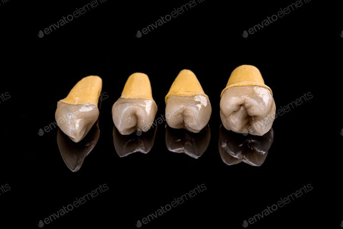 Prosthetic teeth