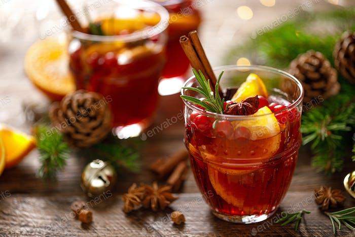 Weihnachtsglühwein Traditionelles festliches Getränk