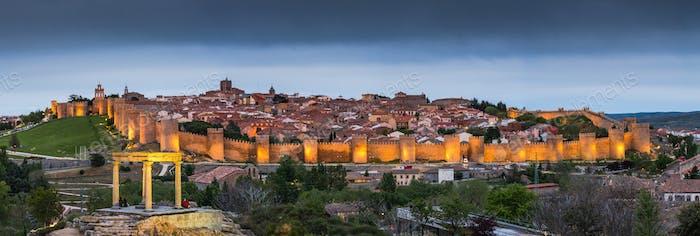 Abend genäht Panorama von Avila, Spanien