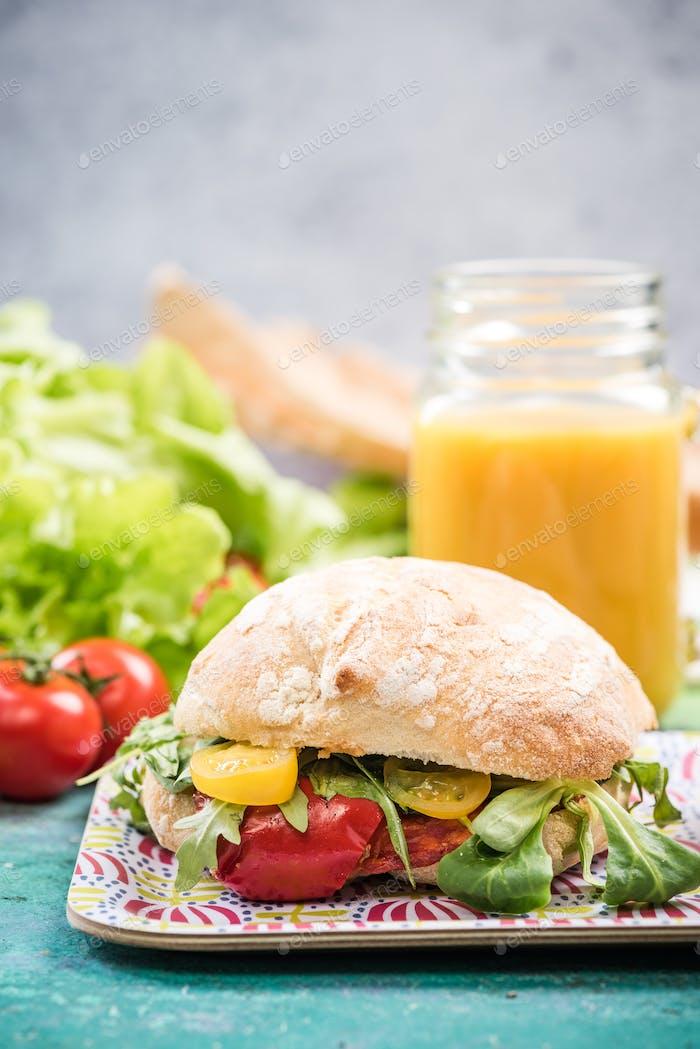Diet bun with fresh vegetables