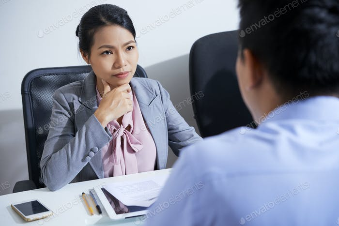 HR manager talking to applicant