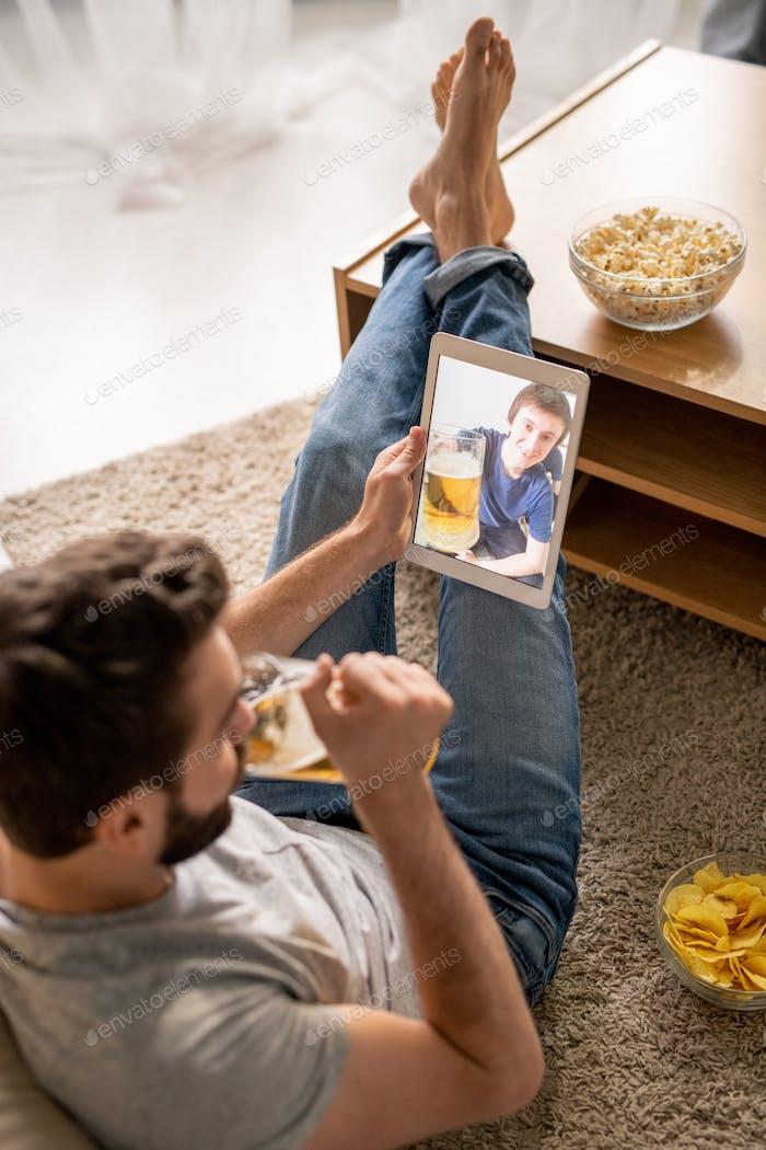 Toasting with friend via telecommunication app