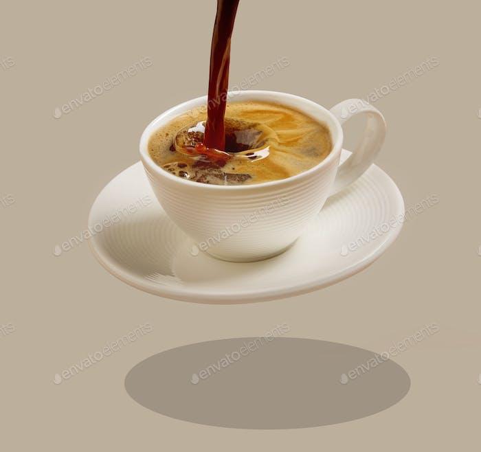 Tasse Gießen Kaffee