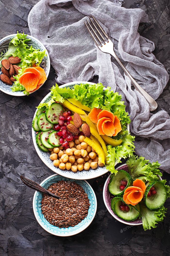 Buddha bowl with vegetable and chick-pea
