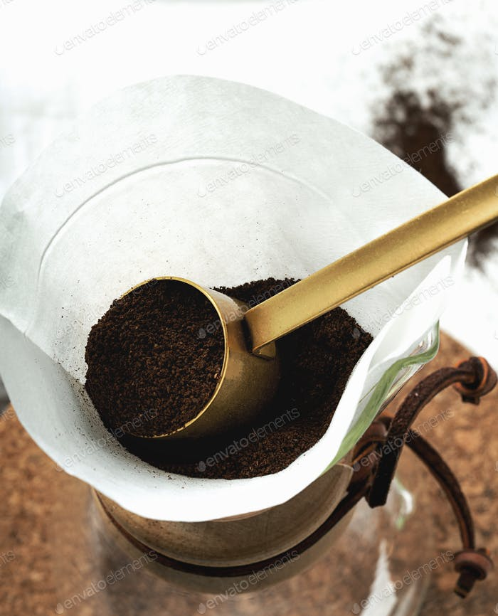 Preparing filtered coffee with dripper