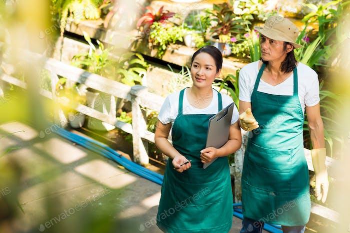 Trabajadores del mercado de flores
