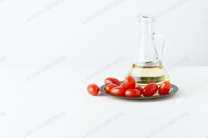 Menü, Rezept, Mock Up, Banner. Food-Hintergrund. Glaskanne für Olivenöl,