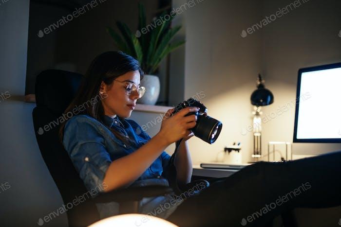 Enjoying her job