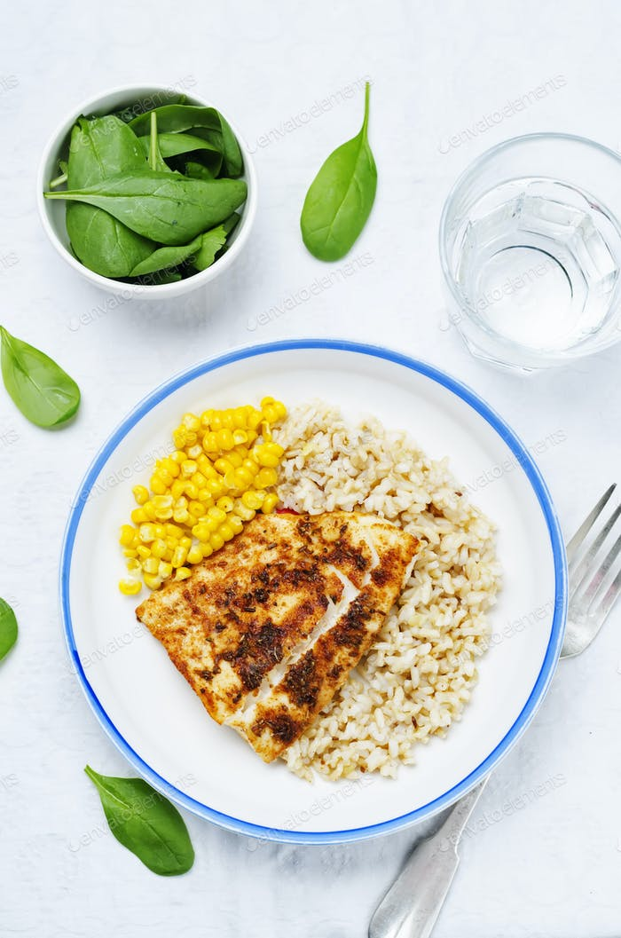 spices Cod with brown rice, spinach and corn