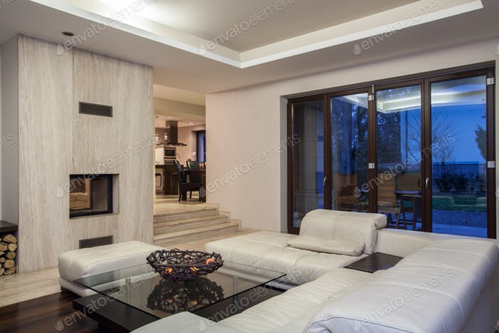 Travertine house - spacious living room