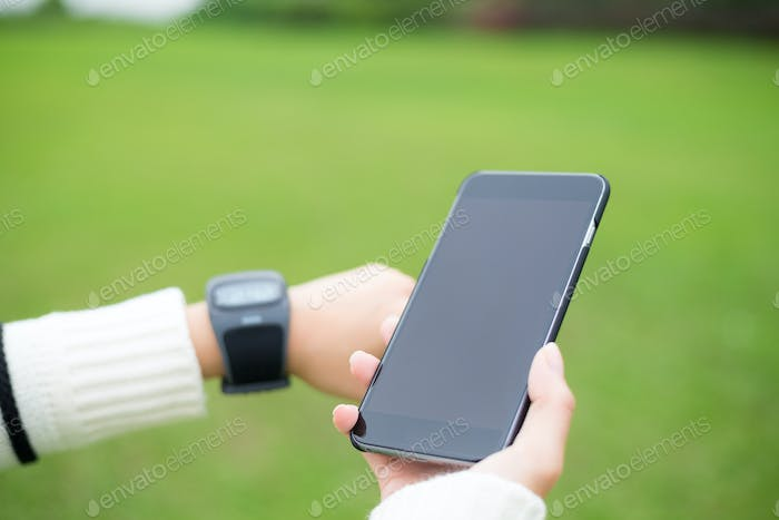 Smart watch connect to cellphone
