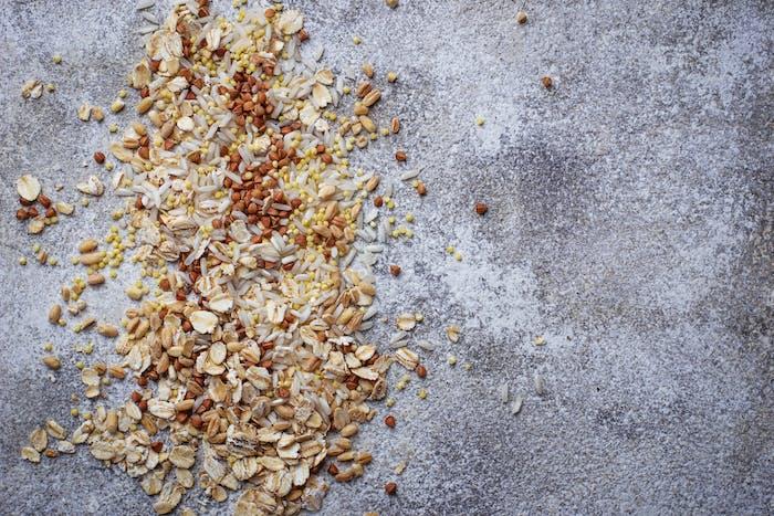 Different type of grain: rice, wheat, oatmeal, oat, buckwheat