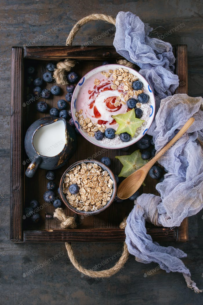 Joghurt-Smoothie-Schüssel