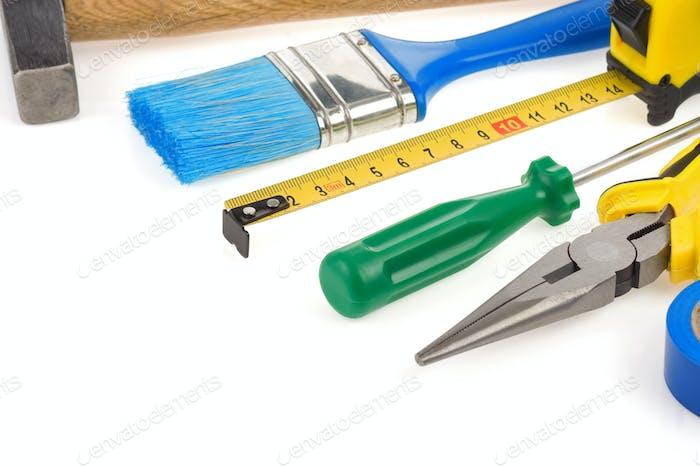 Kit de herramientas aisladas en blanco