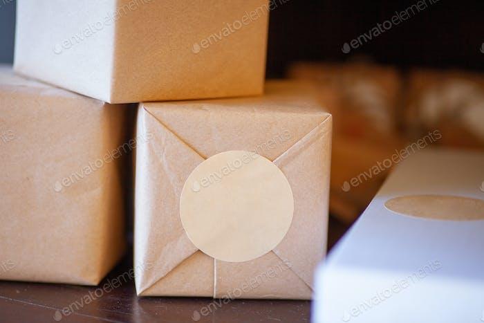 Ökologisch verpackte Geschenke