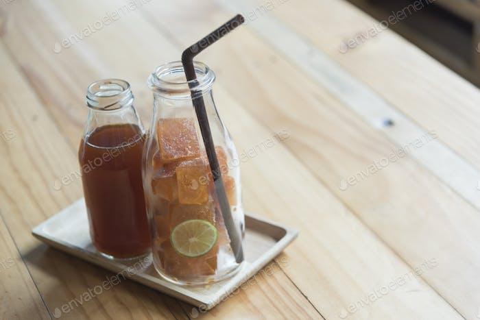 lemon tea with ice