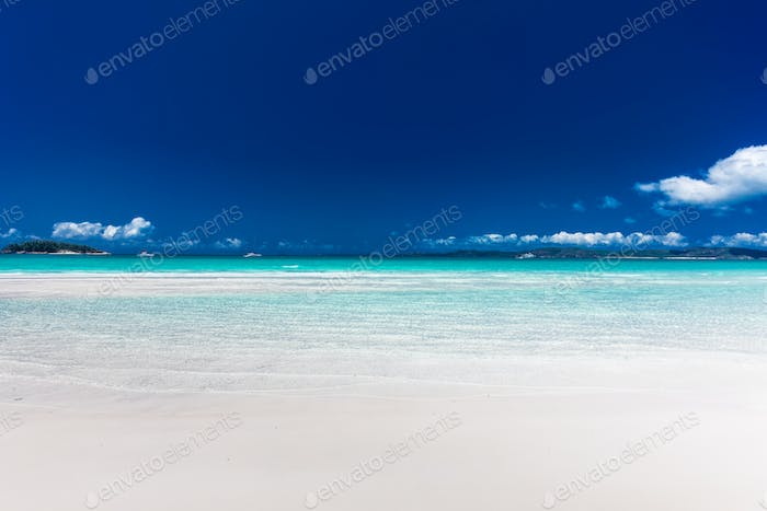 Famous Whitehaven Beach with white sand in the Whitsunday Island