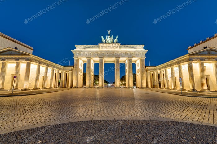 The Brandenburger Tor at night