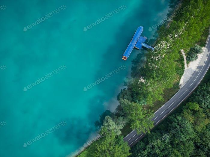 Drauf-Down-Luftbild über Most na Soci, Slowenien