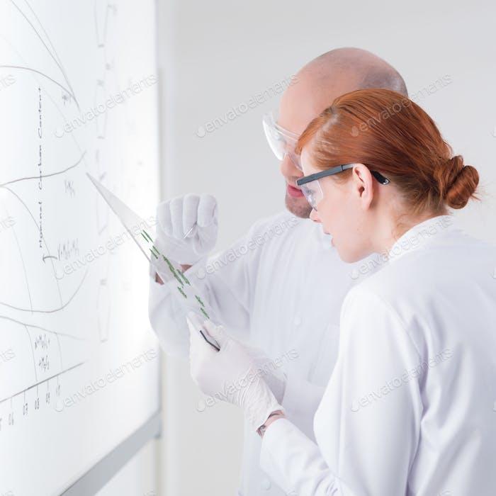 investigación de muestras de laboratorio