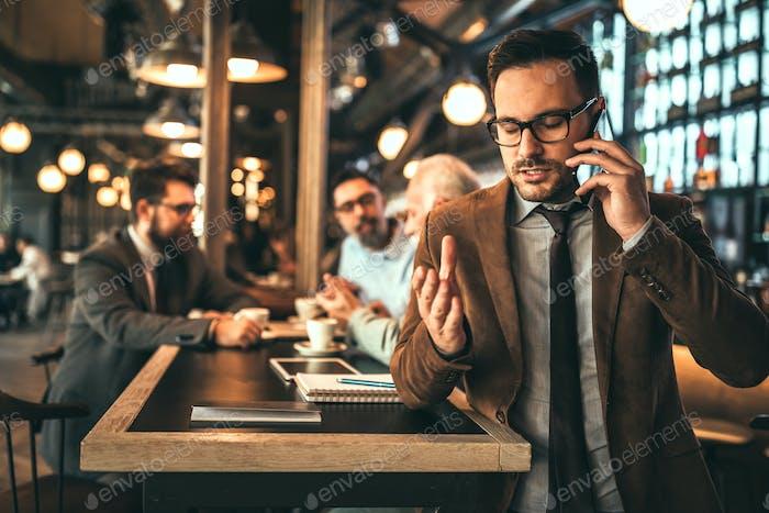 Оставайтесь на связи в бизнесе