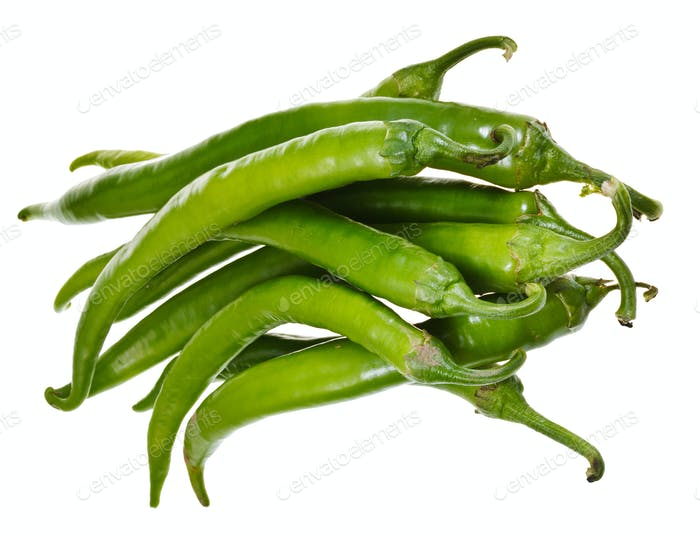 Schoten von grünen Peperoni