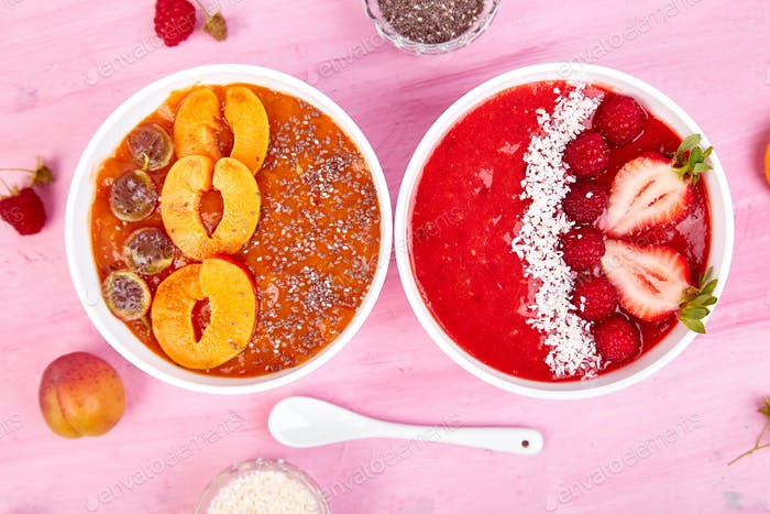Smoothie bowls. Healthy breakfast bowl