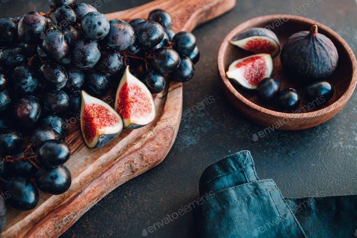 Herbst Essen Stillleben mit Früchten der Saison