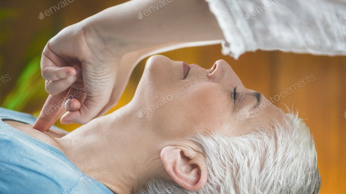 Facial Marma Therapy, Ayurveda Neck Massage (Kanth Marma)