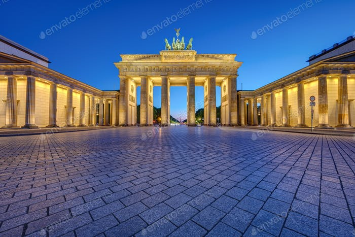 The famous illuminated Brandenburg Gate