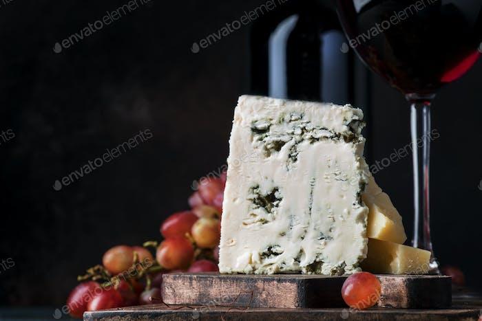 Portwein und Blauschimmelkäse