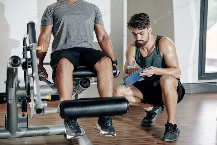 Exercising in leg extension machine