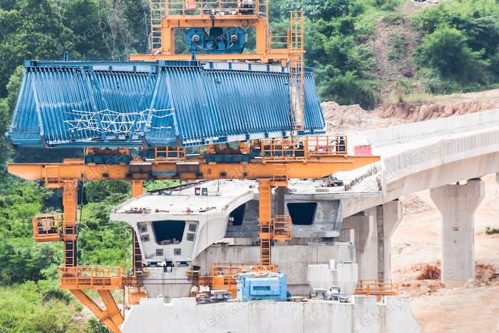 Bau einer Massen-Schnell-Transit-Linie im Gange