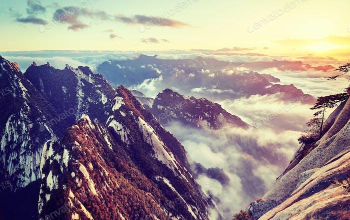 Mount Hua bei Sonnenuntergang, China.
