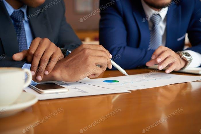 Analyzing business chart