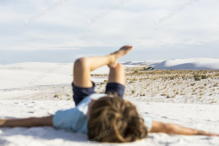 verschwommener Junge, White Sands Nat'l Monument, NM