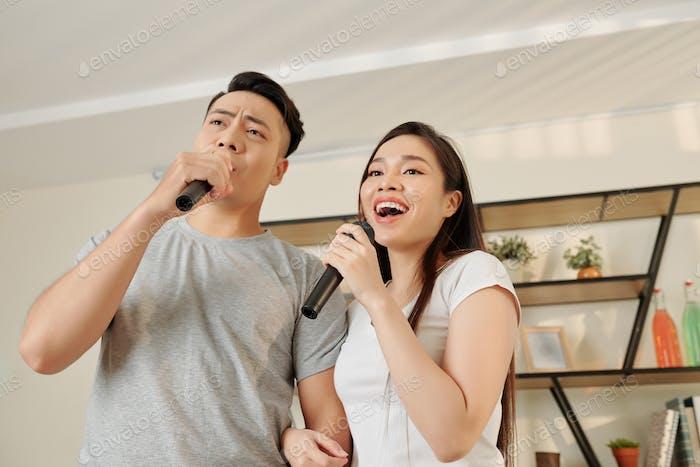 Singing Vietnamese couple