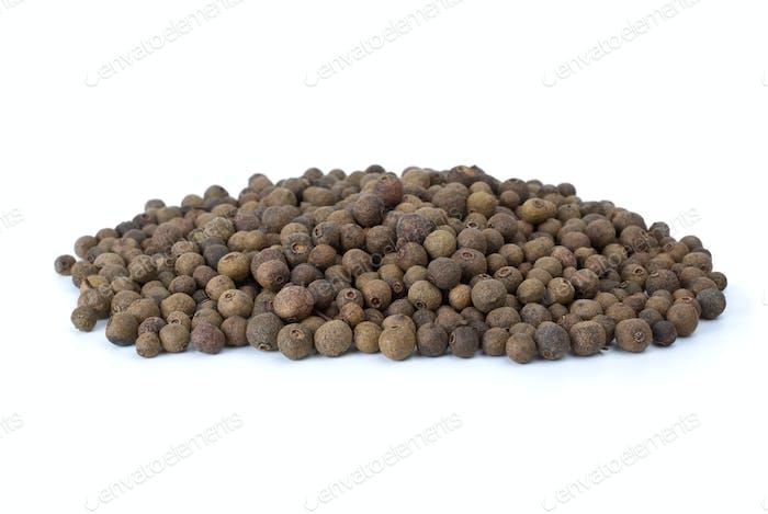 Gewürze: kleiner Haufen Piment