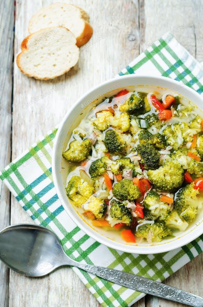broccoli chicken soup