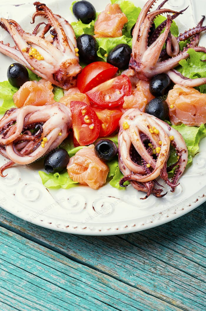 Salad with squid