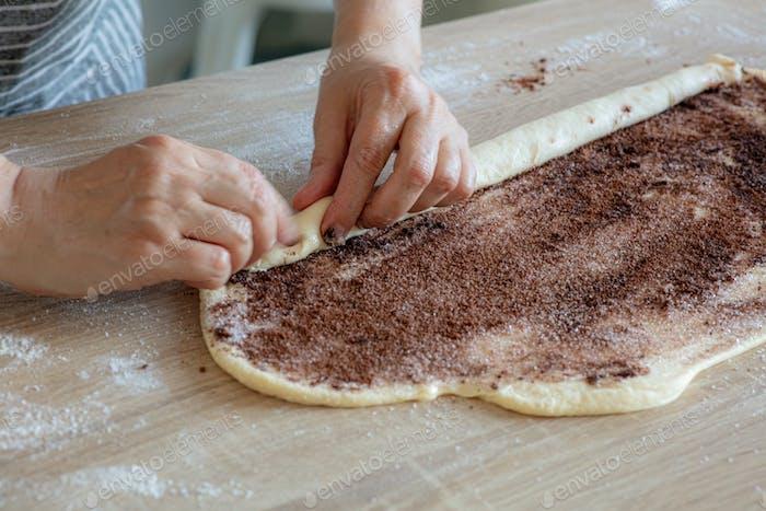 process of making yeast dough rolls