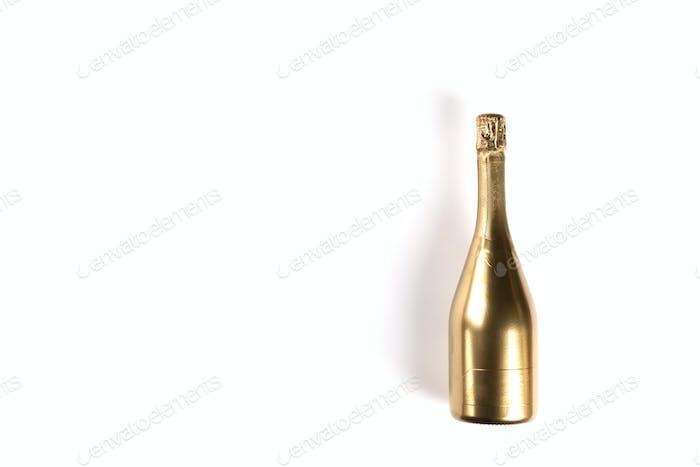 Flasche Goldenen Champagner.Symbol von Weihnachten und Neujahr.