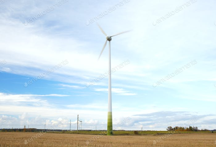 Wind turbine with motion blured blades