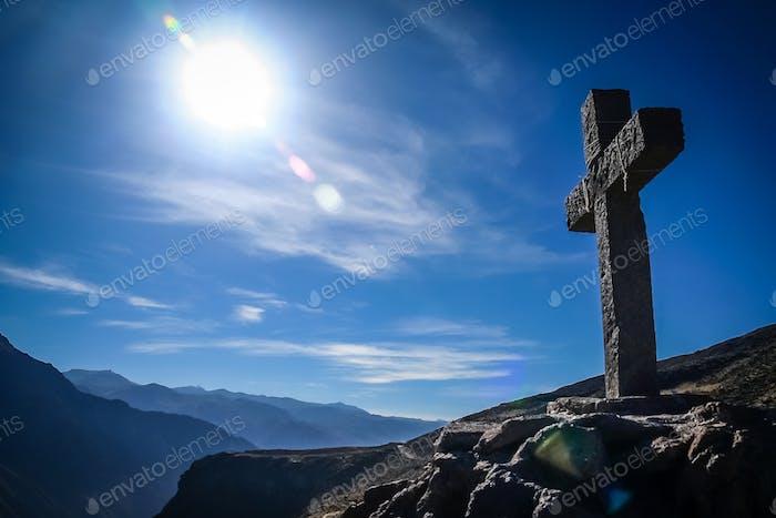 Kreuz in Colca Canyon in Peru
