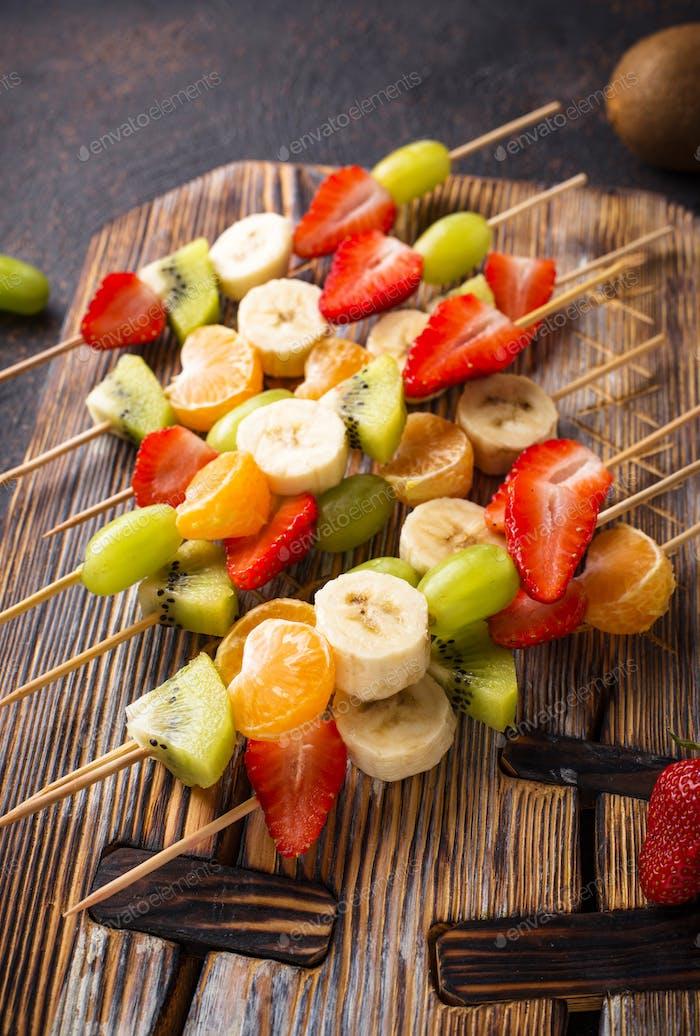 Obstspieße, gesunde Sommer-Snack