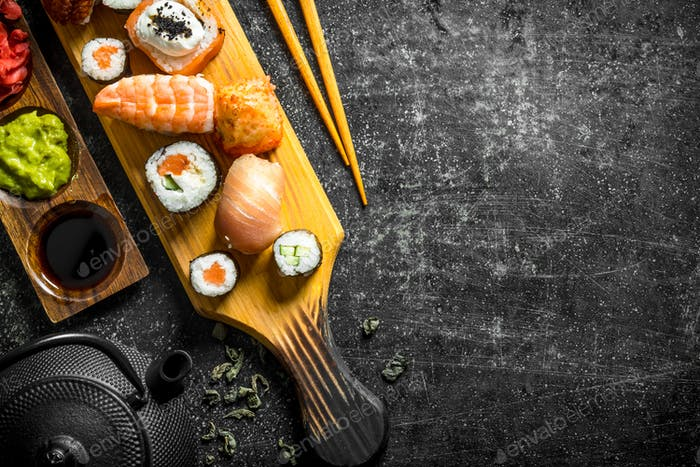 Sushi rolls with salmon, shrimp and cream cheese.
