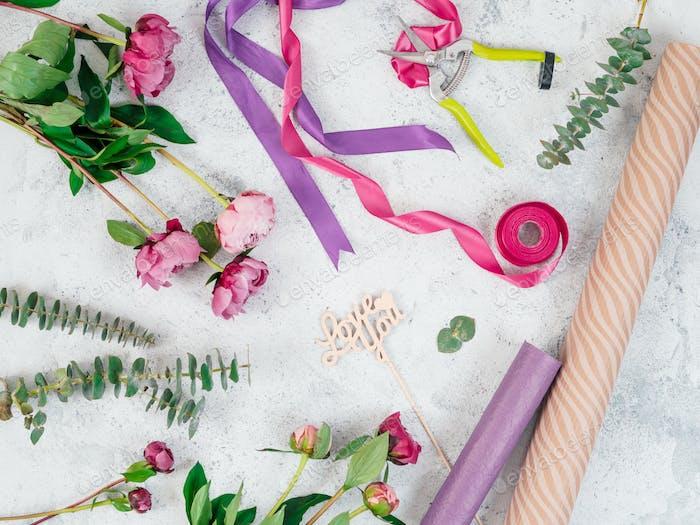 Floristische flache Lage mit Blumen