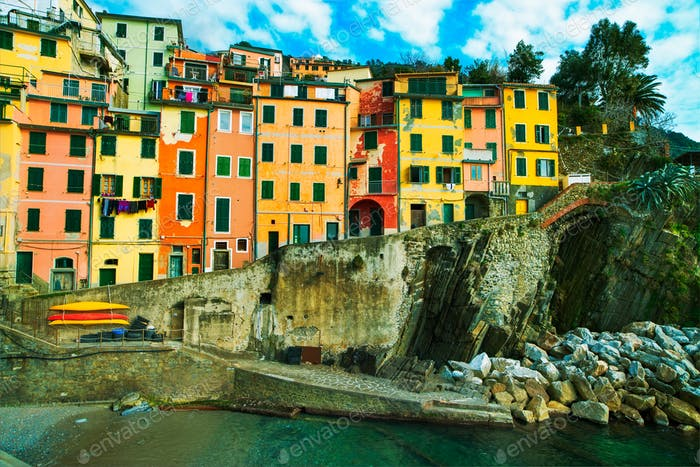 Riomaggiore village, rocks and old traditional houses. Cinque Te